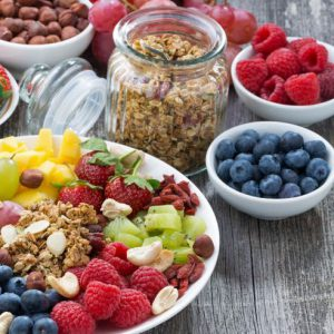 Dorra Slim fast granola and berries for weight loss